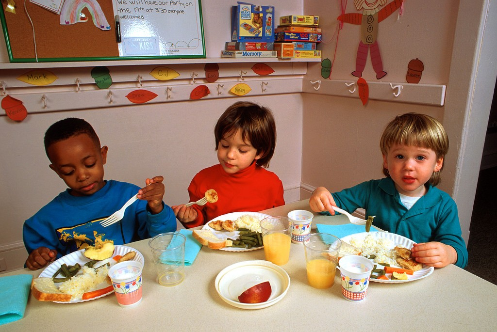 kids eating 2